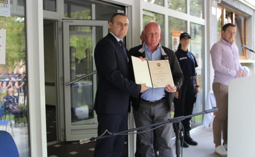 Uručena zahvalnica Central osiguranju d.d. od MUP HBŽ-a za vrijednu donaciju